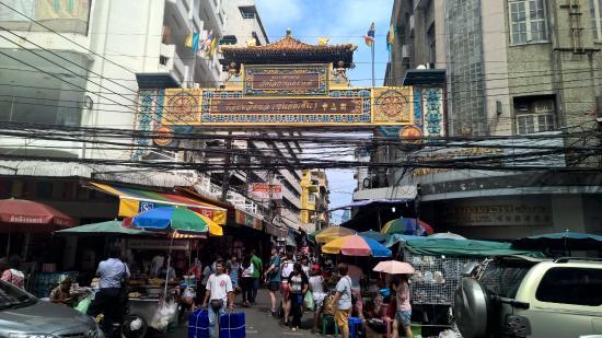 bf559e89c9501 أفضل 10 أسواق شعبية ومراكز تجارية فى بانكوك